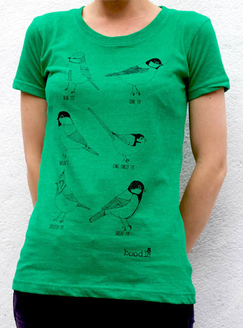 Garden birds T-shirt close up